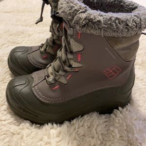 Columbia Youth Size 2 Winter Boots